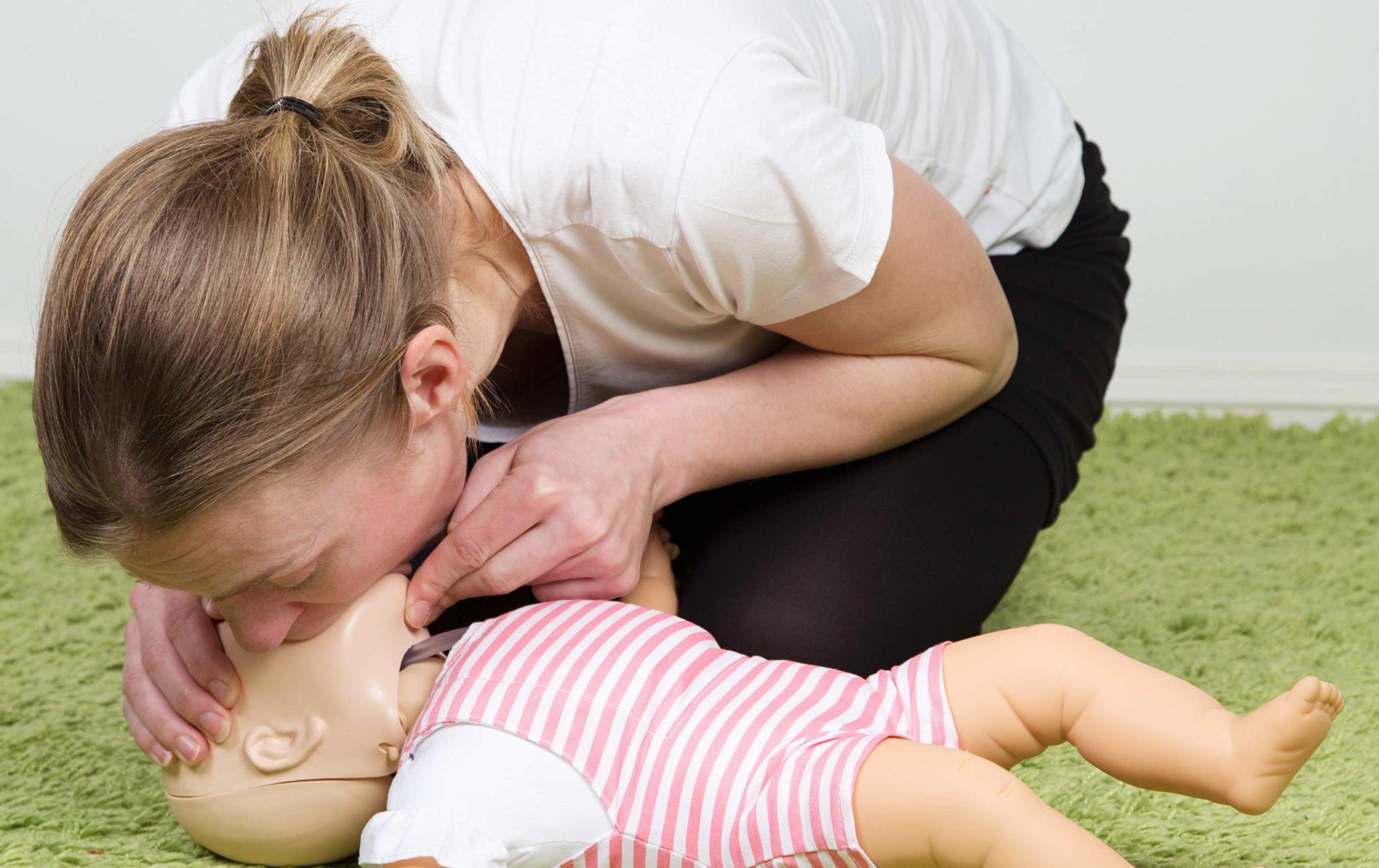 Que faire si bébé ne respire plus