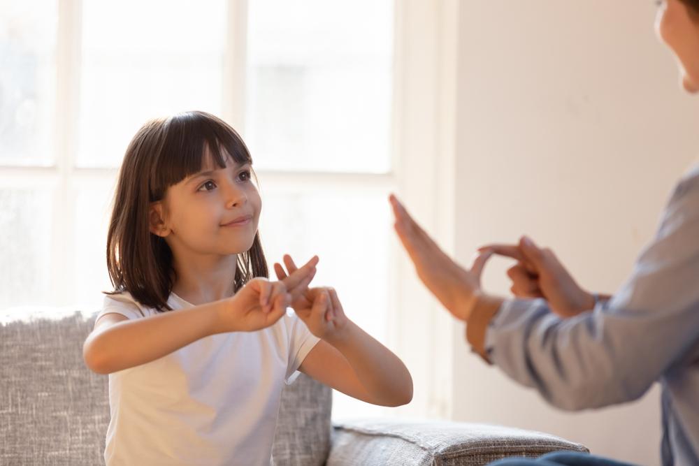 langue des signes avec bébé